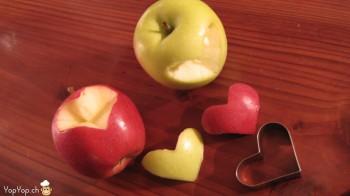 pommes rouge et verte avec des coeur