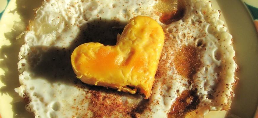 oeuf au plat en forme de coeur une recette de st-valentin pas cher