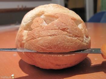 miche de pain pirate couteau