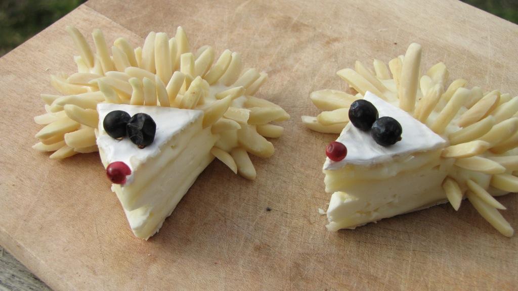 11-amuse bouche camembert en forme de hérisson