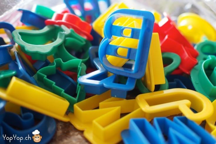 1-emporte pièce lettre de l'alphabet