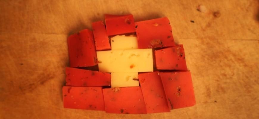 croix suisse en fromage pour 1er août