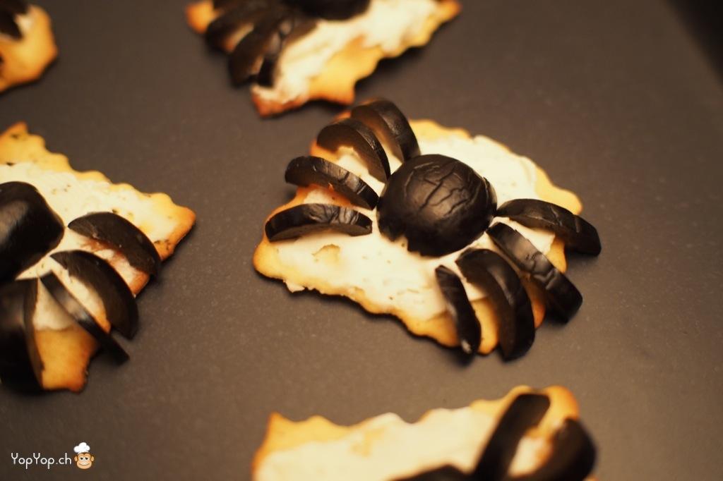 Recette pour halloween amuse bouche araign e en olive - Fabriquer araignee pour halloween ...