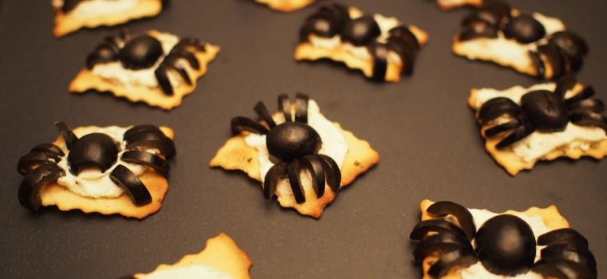 recette pour halloween amuse bouche araign e en olive. Black Bedroom Furniture Sets. Home Design Ideas