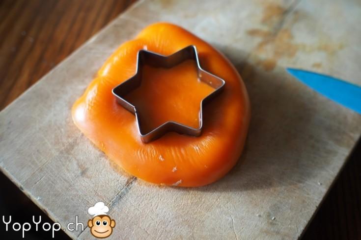 14-amuse-gueule de Noël étoile en poivron découpé a l emporte pièce