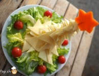 15-amuse-gueule de Noël sapin de noël en fromage et salade