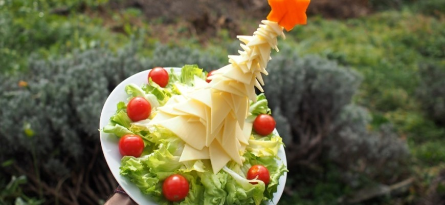 amuse gueule de Noël en fromage et salade